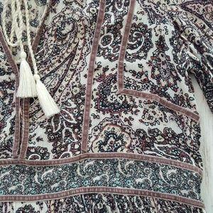 American Eagle paisley peasant blouse size M